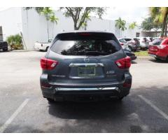 For sell Used 2017 Nissan Pathfinder Platinum